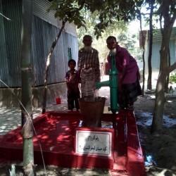 بالصور حفر ثلاثة ابار في بنغلاديش بأسم المرحوم (كايد حميدي الشمري)