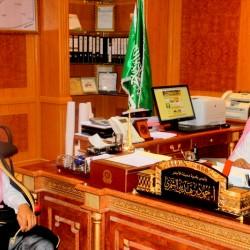 فضيلة الشيخ سالم الخمسان رئيس هيئة الامر بالمعروف والنهي عن المنكر بالاجفر يقوم بزيارة بلدية الاجفر