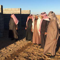 بالصور رئيس مركز الأجفر يتفقد ميدان الشيخ نداء بن نهير