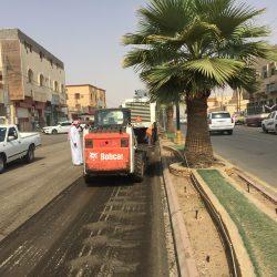 بالصور بلدية الأجفر تستعد لـ سفلتت عدد من شوارعها