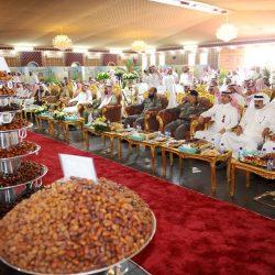 وكيل أمين شؤون منطقة حائل يدّشن سوق تمور الفنخاء بمدينة الكهفة