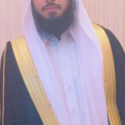 عياد يضئ منزل احمد العياد