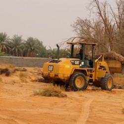 بلدية الاجفر تبداء حملة (ضخمه) تنظيف وادي الاجفر …