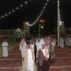 بالصور رئيس مركز واهالي مدينة الأجفر يكرمون الشيخ سلطان الرمالي كاتب العدل سابقاً بالأجفر