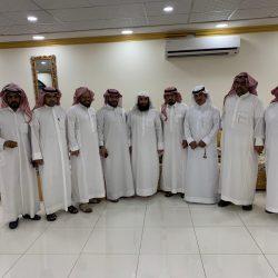 بالصور منسوبي كتابة العدل بمدينة الأجفر يكرمون ويودعون كاتب العدل الشيخ سلطان الرمالي