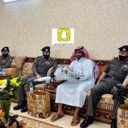 اللواء العتيبي يزور مدير مخفر شرطة الأجفر بمنزله بعد خروجه من مستشفى الملك سلمان بحائل