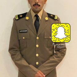 فايز المذود الى ملازم بعد تخرجه من كلية الملك فهد الأمنية