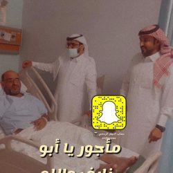 الأستاذ ابراهيم الصغير يرقد على السرير الابيض بمستشفى بريدة المركزي