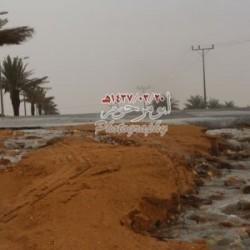 بالصور امطار على مدينة الأجفر صباح اليوم الاربعاء 20 / 03 / 1437هـ